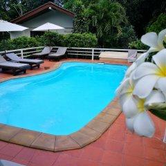 Отель On The Hill Karon Resort бассейн фото 2