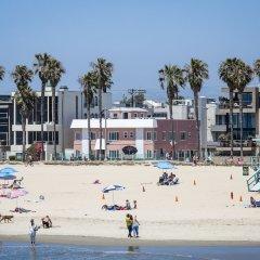 Отель Venice on the Beach Hotel США, Лос-Анджелес - отзывы, цены и фото номеров - забронировать отель Venice on the Beach Hotel онлайн пляж