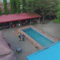 Отель De-Aces Hotels & Conference Centre бассейн