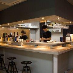 F.concept Hostel Фукуока гостиничный бар