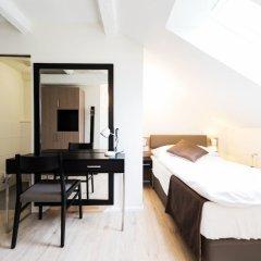 Отель Sleep And Go Цюрих сейф в номере