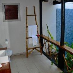 Отель Coconut Beach Resort сейф в номере