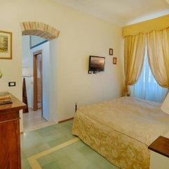 Отель Villa Sabolini сейф в номере