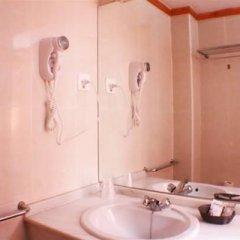 Отель Bari Испания, Кониль-де-ла-Фронтера - отзывы, цены и фото номеров - забронировать отель Bari онлайн ванная фото 2