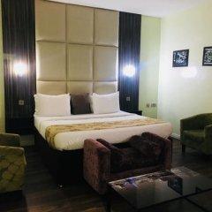 De Brit Hotel комната для гостей