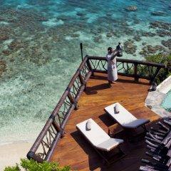 Отель Laucala Island бассейн