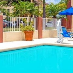 Отель Baymont Inn & Suites Orlando - Universal Studios бассейн фото 2