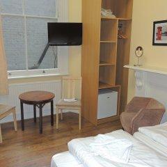 Отель Dolphin Inn Великобритания, Лондон - 8 отзывов об отеле, цены и фото номеров - забронировать отель Dolphin Inn онлайн удобства в номере фото 2