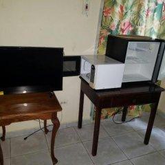 Отель Tropical Court Resort Near Montego Bay Airport удобства в номере фото 2