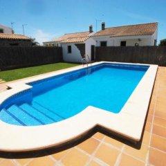 Отель Casas Con Piscina En Roches Испания, Кониль-де-ла-Фронтера - отзывы, цены и фото номеров - забронировать отель Casas Con Piscina En Roches онлайн бассейн фото 3