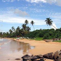 Отель Seven Nights Resort пляж