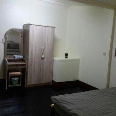 Green Box Hostel Бангкок сейф в номере