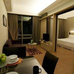 Отель Queens Service Suite at Swiss Garden residence Малайзия, Куала-Лумпур - отзывы, цены и фото номеров - забронировать отель Queens Service Suite at Swiss Garden residence онлайн комната для гостей фото 4