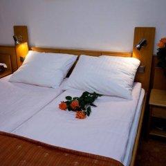Hotel Karat сейф в номере