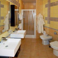 Гостиница La Vie de Chateau в Оренбурге 1 отзыв об отеле, цены и фото номеров - забронировать гостиницу La Vie de Chateau онлайн Оренбург ванная