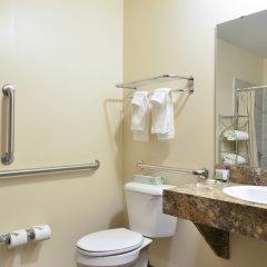 Отель HolmeSuites Columbus Airport/DLA США, Колумбус - отзывы, цены и фото номеров - забронировать отель HolmeSuites Columbus Airport/DLA онлайн ванная