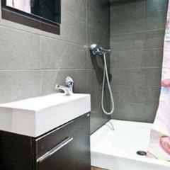 Отель La Casa de Emilia Испания, Барселона - 5 отзывов об отеле, цены и фото номеров - забронировать отель La Casa de Emilia онлайн ванная