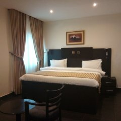Eden Crest Hotel & Resort Энугу сейф в номере