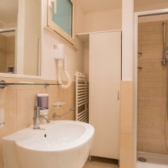 Отель Wally Residence Римини ванная фото 2