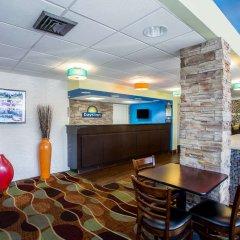 Отель Days Inn by Wyndham Sarasota Bay гостиничный бар