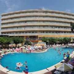 Отель Medplaya Hotel Calypso Испания, Салоу - отзывы, цены и фото номеров - забронировать отель Medplaya Hotel Calypso онлайн бассейн