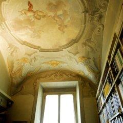 Отель Renaissance Palace in Santa Croce комната для гостей