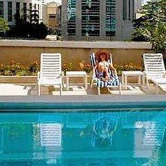 Отель Equatorial Kuala Lumpur Малайзия, Куала-Лумпур - отзывы, цены и фото номеров - забронировать отель Equatorial Kuala Lumpur онлайн бассейн