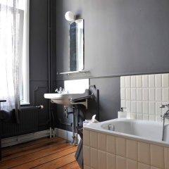 Отель Sgt.Pepper's BnB Бельгия, Брюссель - отзывы, цены и фото номеров - забронировать отель Sgt.Pepper's BnB онлайн ванная