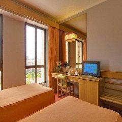 Отель Alif Campo Pequeno Лиссабон комната для гостей фото 4
