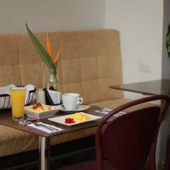 Отель C&M - Carne y Maduro Колумбия, Кали - отзывы, цены и фото номеров - забронировать отель C&M - Carne y Maduro онлайн в номере фото 2