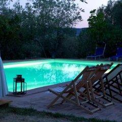 Отель Villa Le Tre V Магионе бассейн