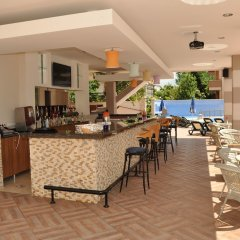 Almera Apart Hotel гостиничный бар