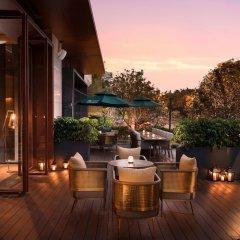 Отель Joyze Hotel Xiamen, Curio Collection by Hilton Китай, Сямынь - отзывы, цены и фото номеров - забронировать отель Joyze Hotel Xiamen, Curio Collection by Hilton онлайн балкон