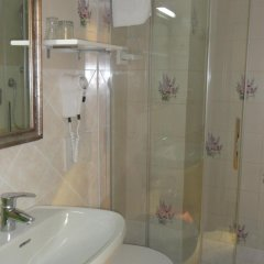 Villa Mora Hotel Джардини Наксос ванная