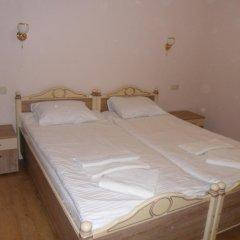 Гостиница Guest House 12 Mesyatsev Украина, Черноморск - отзывы, цены и фото номеров - забронировать гостиницу Guest House 12 Mesyatsev онлайн сейф в номере
