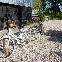 Отель Landgoed Emelaar Lodge спортивное сооружение