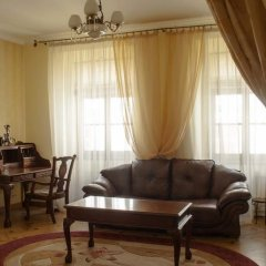Гостиница Aparts Bilya Plocshi Rynok комната для гостей фото 3
