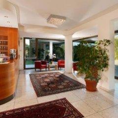 Hotel Girlanerhof Аппиано-сулла-Страда-дель-Вино интерьер отеля