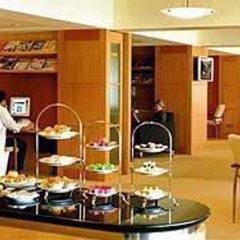 Отель Equatorial Kuala Lumpur Малайзия, Куала-Лумпур - отзывы, цены и фото номеров - забронировать отель Equatorial Kuala Lumpur онлайн питание фото 3
