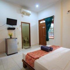 Отель RedDoorz @ Melati Kartika Plaza комната для гостей фото 3