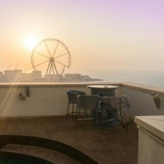 Апартаменты Dubai Beach Host Terrace Apartments балкон