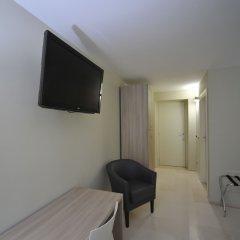 Отель Bed & Breakfast Gatto Bianco Бари удобства в номере фото 2