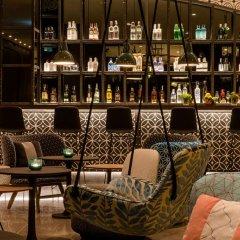 Отель Motel One Barcelona-Ciutadella гостиничный бар