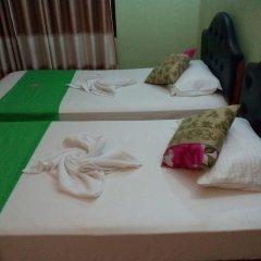 Отель Seven Nights Resort сейф в номере
