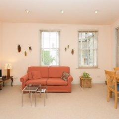 Отель Veeve - Rosey Rosslyn Flat комната для гостей фото 2