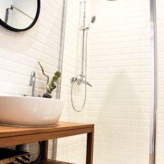 Отель L'Atelier Франция, Ницца - отзывы, цены и фото номеров - забронировать отель L'Atelier онлайн ванная фото 2