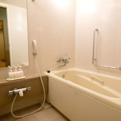 Отель Toshi Center Hotel Япония, Токио - 1 отзыв об отеле, цены и фото номеров - забронировать отель Toshi Center Hotel онлайн ванная фото 2