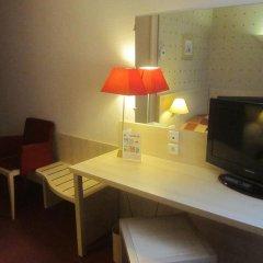 Отель Hôtel Athena Part-Dieu комната для гостей