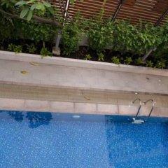 SAB House – Caters to Women (отель для женщин) Бангкок бассейн