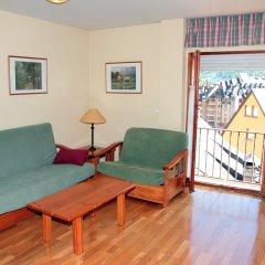 Апартаменты Apartments Somni Aranès комната для гостей